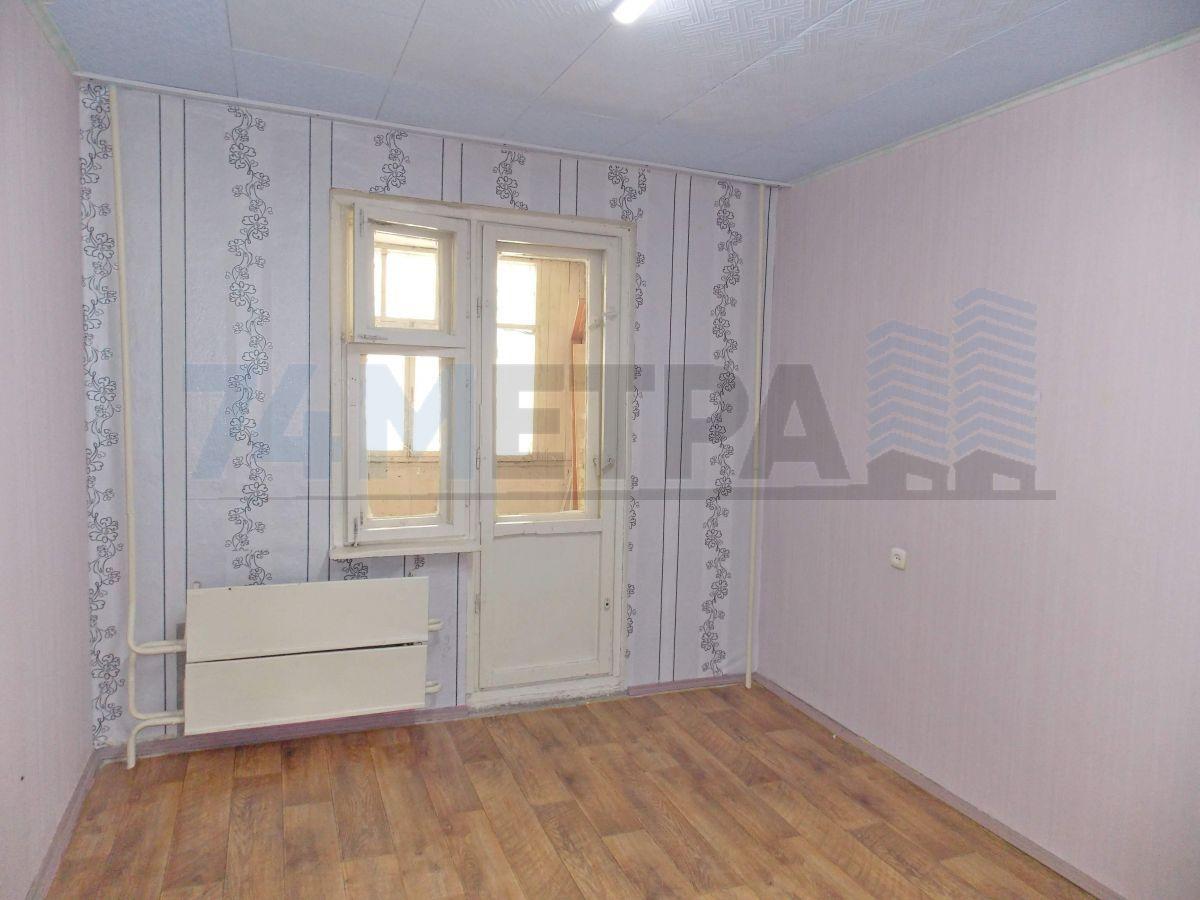 13 000 ₽, 3 - комнатная квартира, площадь 64 м², этаж 1/10