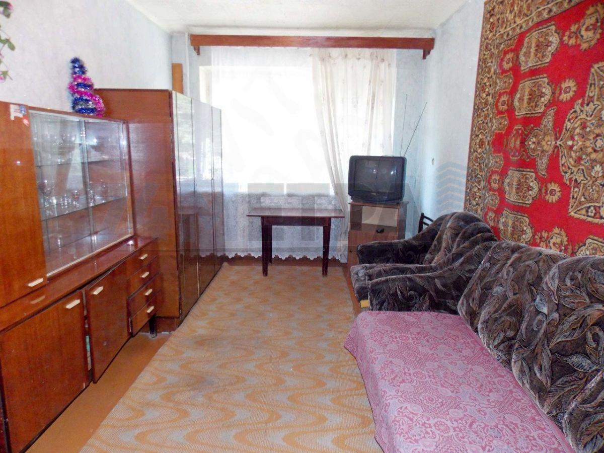 9 000 ₽, 1 - комнатная квартира, площадь 31 м², этаж 1/5