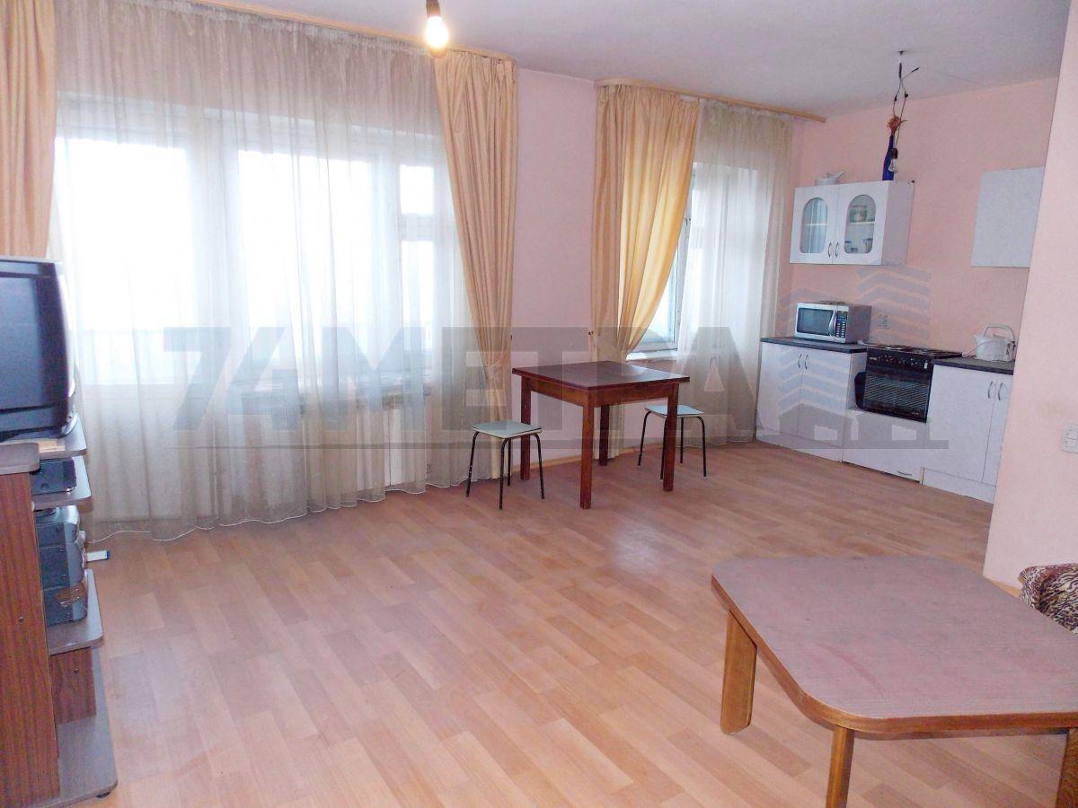 18 000 ₽, 3 - комнатная квартира, площадь 76 м², этаж 12/14