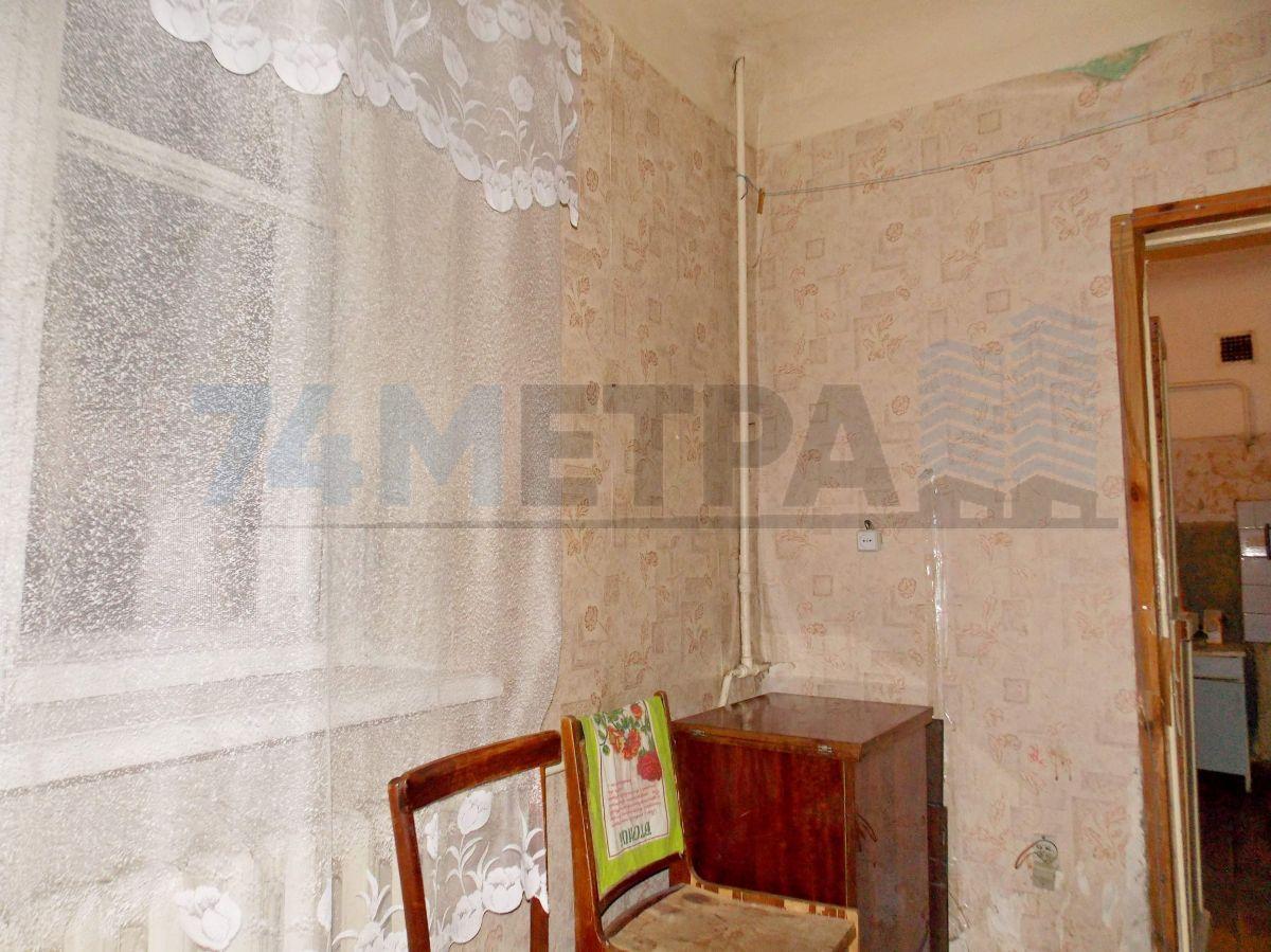 9 000 ₽, 2 - комнатная квартира, площадь 38 м², этаж 1/2