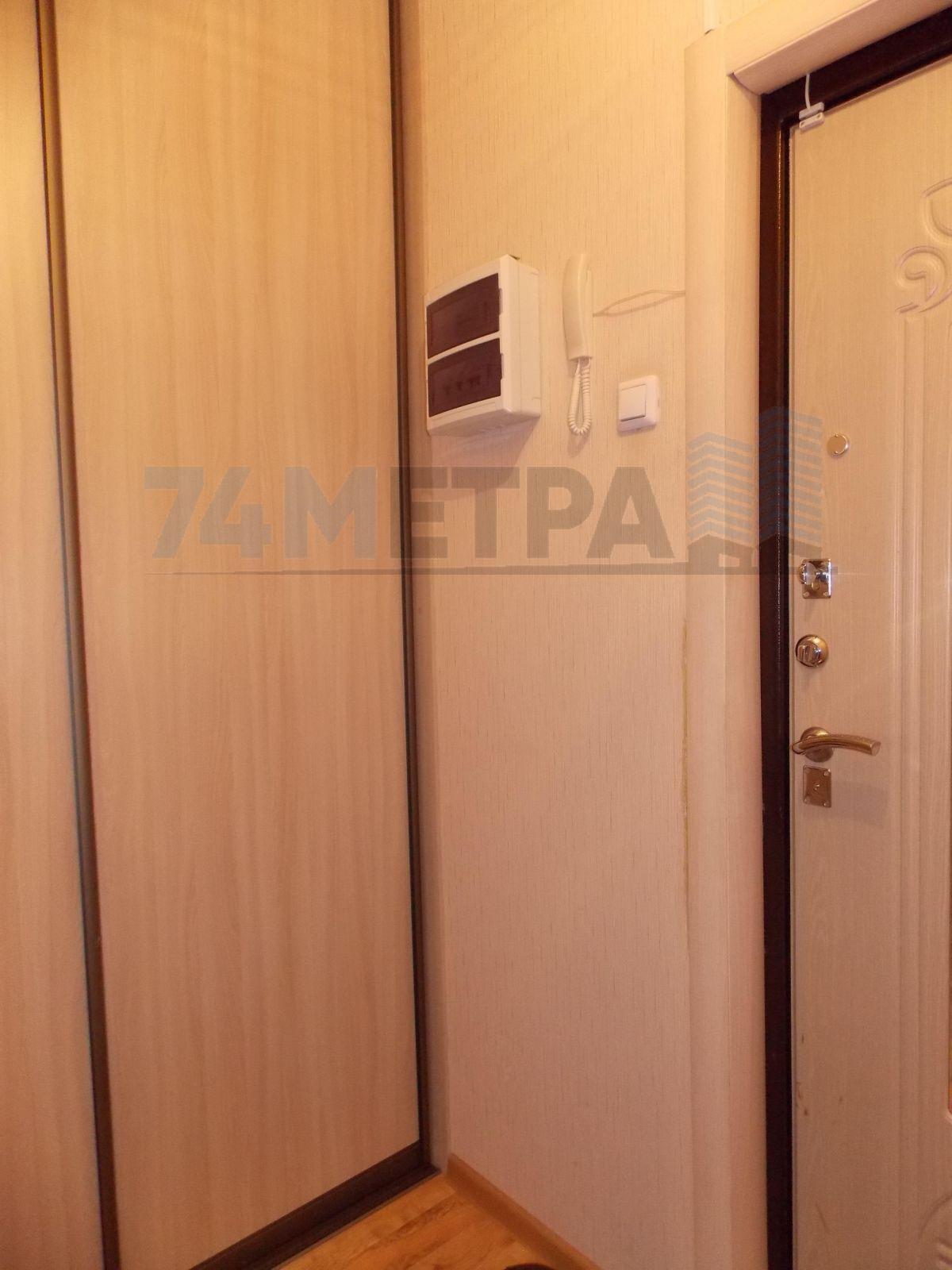 10 000 ₽, 1 - комнатная квартира, площадь 28 м², этаж 1/10
