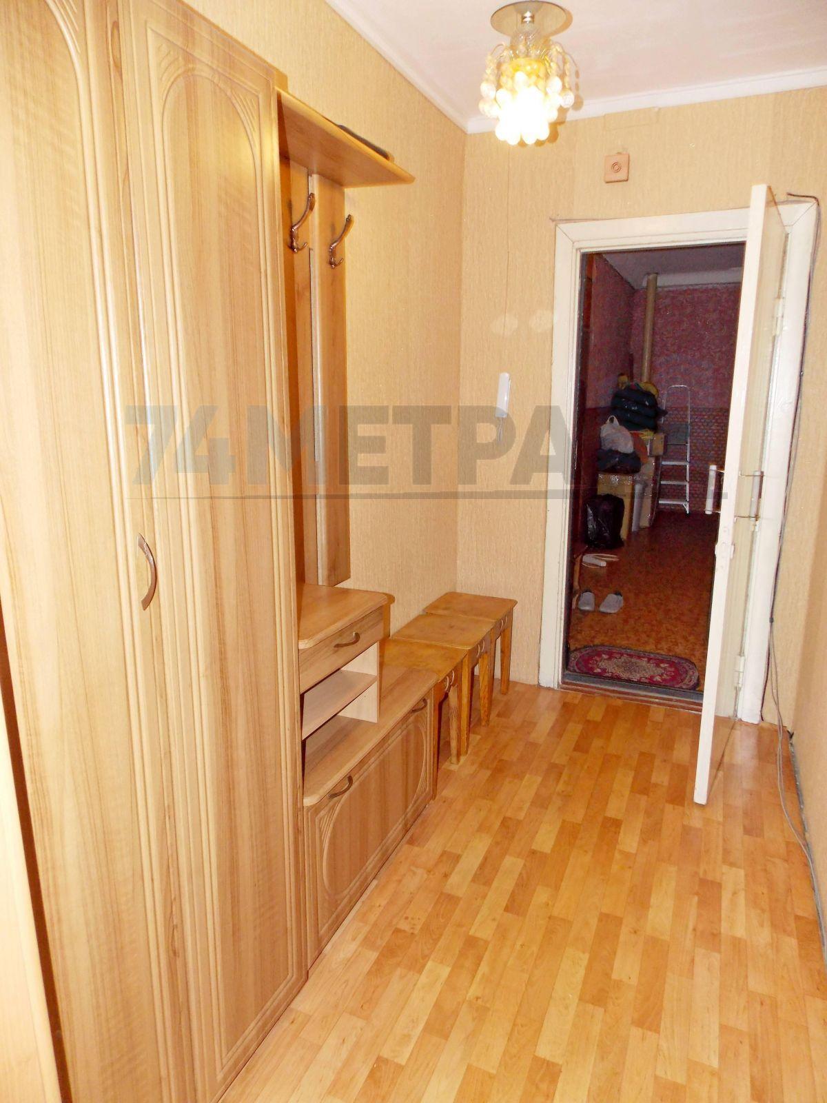 15 000 ₽, 3 - комнатная квартира, площадь 70 м², этаж 1/10